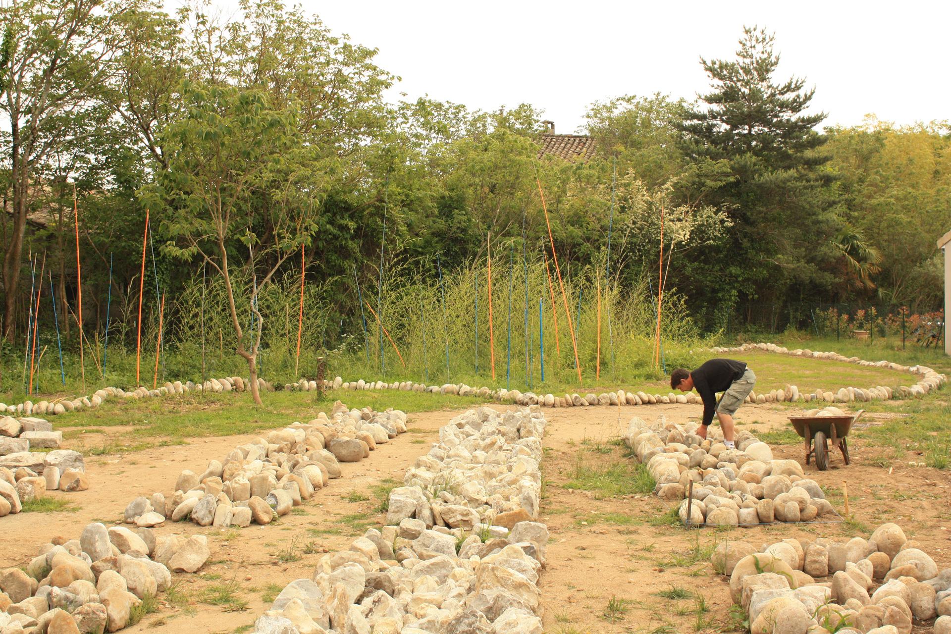 Magasins de pierres, la ressource du site